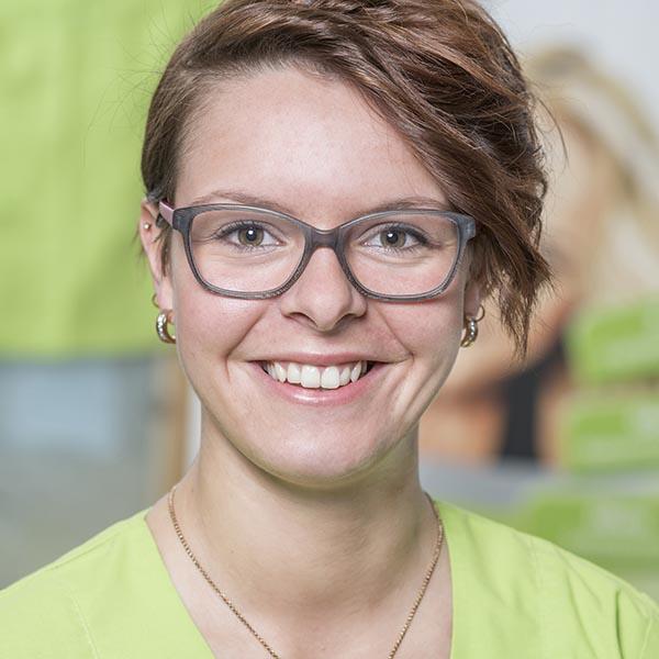 Zahnarzt in Bad Kreuznach - Zahnarztpraxis Kessler & Bruns - Team - Doreen Kuhns